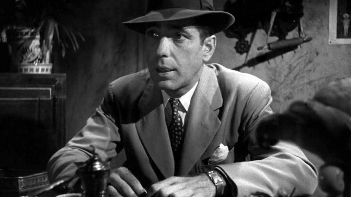 The watch Longines Evidenza Rick Blaine (Humphrey Bogart) in Casablanca - Movie Outfits and Products
