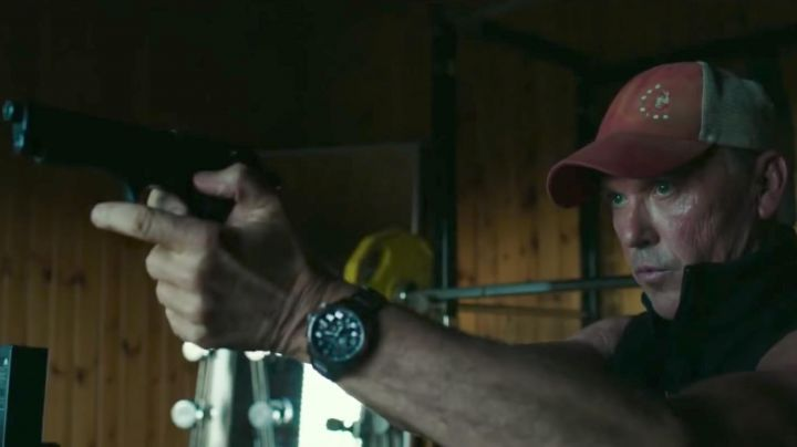 The watch of Stan Hurley (Michael Keaton) in American Assassin - Movie Outfits and Products