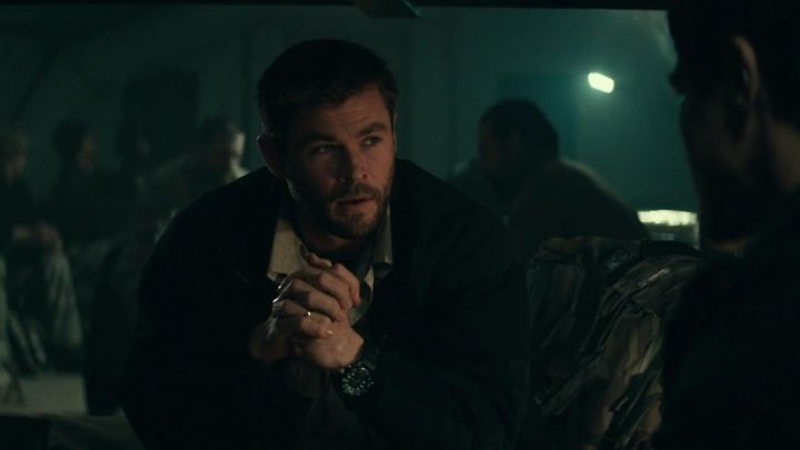 The watch worn by Captain Mitch Nelson (Chris Hemsworth ) in the Horse Soldiers (12 Strong) movie