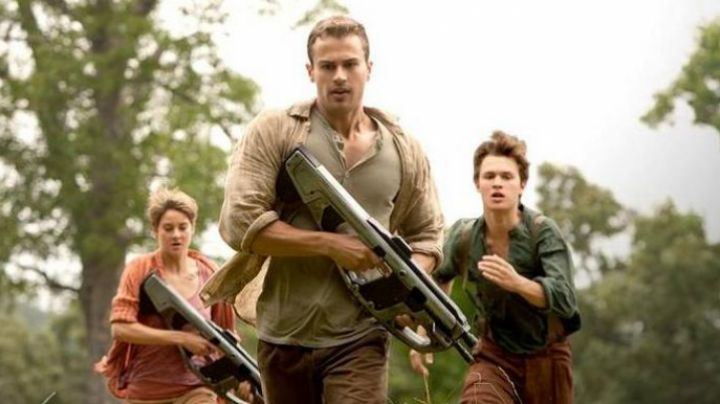 Fashion Trends 2021: The weapon of Tobias Eaton / 4 (Theo James) in Divergent 2 / Insurgent