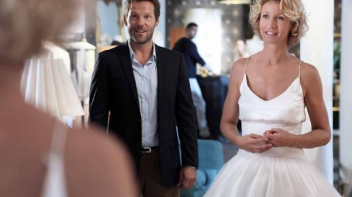 Fashion Trends 2021: The wedding dress of Juliet (Alexandra Lamy) in The embarrassment of the choice