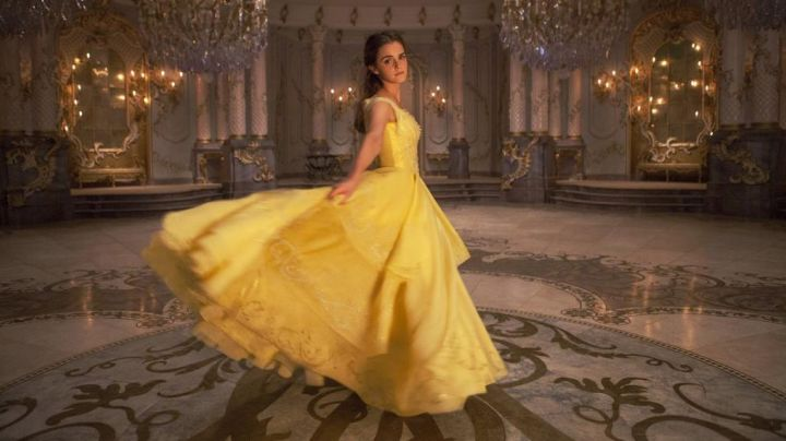 The wedding dress yellow Belle (Emma Watson) in beauty and The Beast