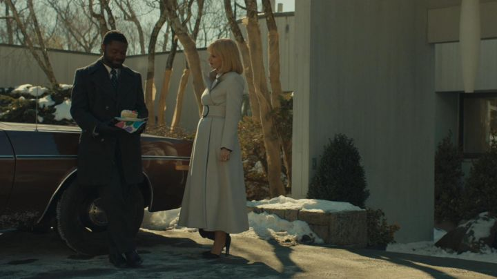 The white coat vintage Anna Morales (Jessica Chastain) in A most violent year movie