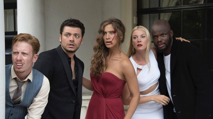 The white dress, Mona Walravens in Gangsterdam - Movie Outfits and Products