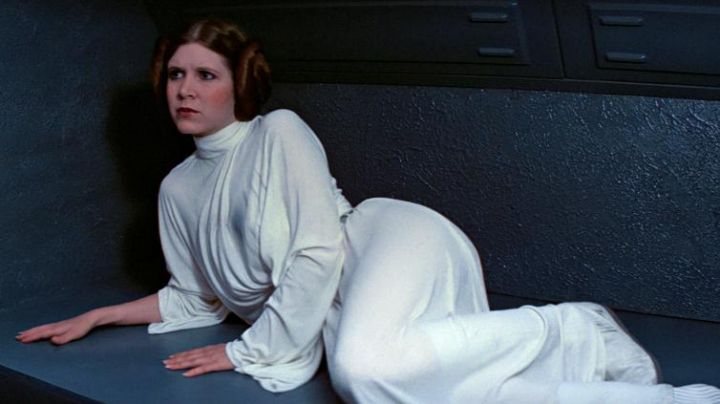 The white dress of Princess Leia (Carrie Fisher) in Star Wars IV : A new hope Movie