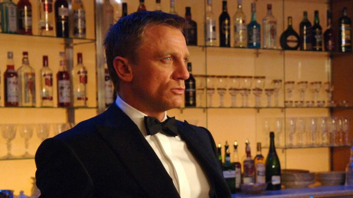The white shirt, Turnbull & Asser James Bond (Daniel Craig) in Casino Royale - Movie Outfits and Products
