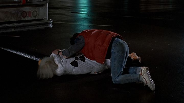 Fashion Trends 2021: The white shoes Nike de Marty McFly (Michael J. Fox) in Back to the future