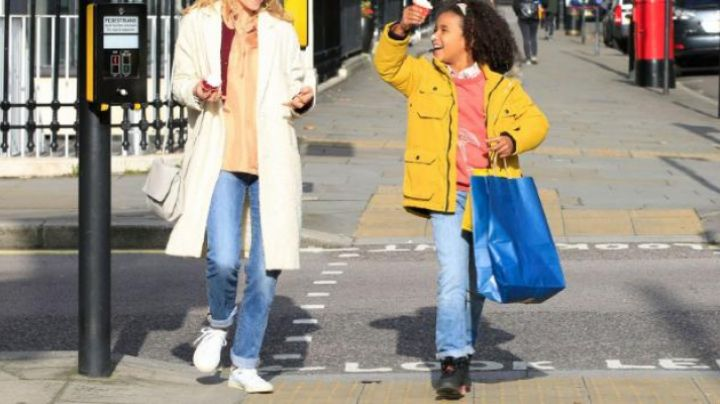 The white sneakers of Clemence Poesy in Tomorrow it all starts - Movie Outfits and Products