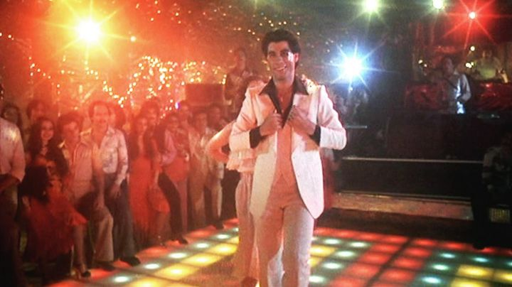 The white suit Tony Manero (John Travolta) in Saturday night Fever - Movie Outfits and Products