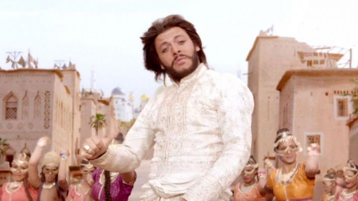 The wig Aladdin (Kev Adams) in The New Adventures of Aladdin - Movie Outfits and Products