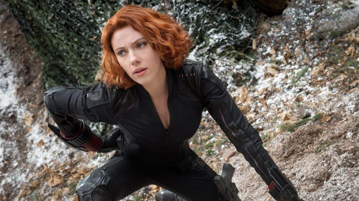 The wig for Black Widow (Scarlett Johansson) in the Avengers - Movie Outfits and Products