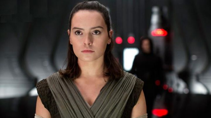 The wig of Rey (Daisy Ridley in Star Wars episode VIII : The Last Jedi - Movie Outfits and Products