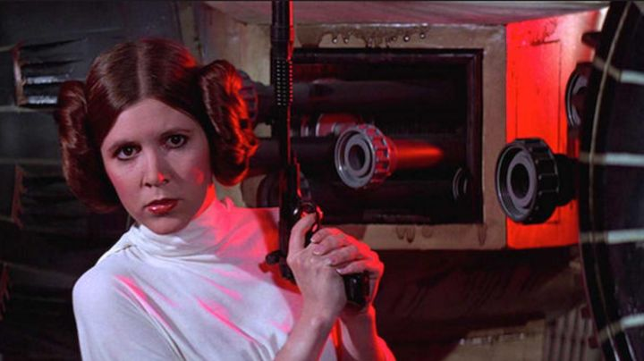 The wig of princess Leia (Carrie Fisher) in Star Wars IV : A new espour Movie