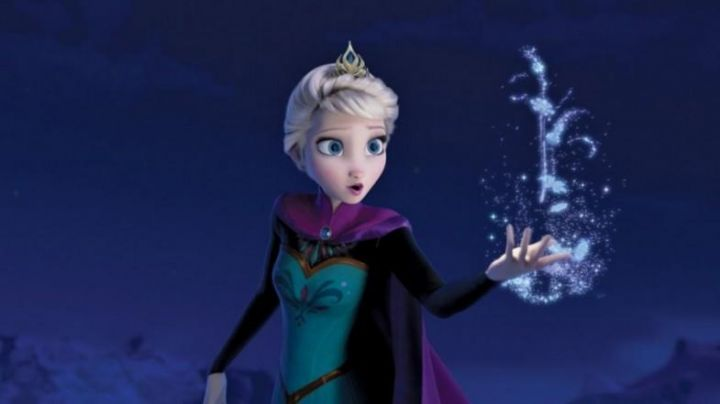 The wig of the coronation of Elsa in The snow queen - Movie Outfits and Products