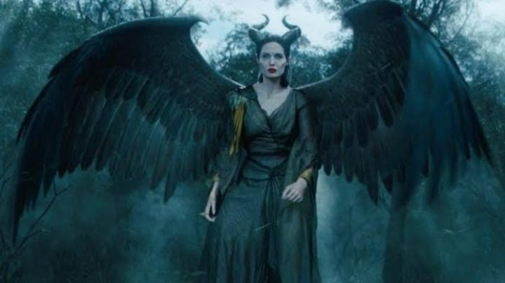 The wings of Evil (Angélina Jolie) in the movie Evil - Movie Outfits and Products