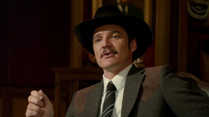 The woollen blazer Mr Porter agent Whiskey (Pedro Pascal) in Kingsman : The golden circle