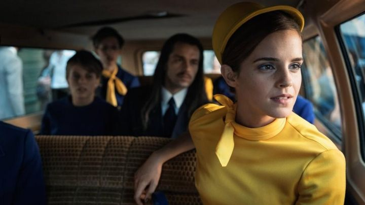 The yellow dress vintage to Emma Watson in the movie Colonia - Movie Outfits and Products