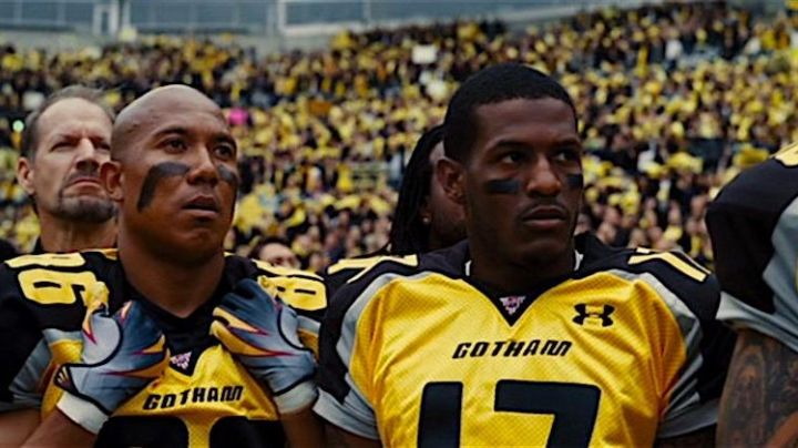 Fashion Trends 2021: The yellow jersey of the Gotham City Rogues the National Football Federation in The Dark Knight Rises