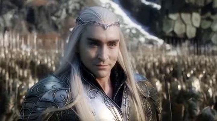 Thranduil's (Lee Pace) shoulders and gorget in The Hobbit: The Battle of the Five Armies - Movie Outfits and Products