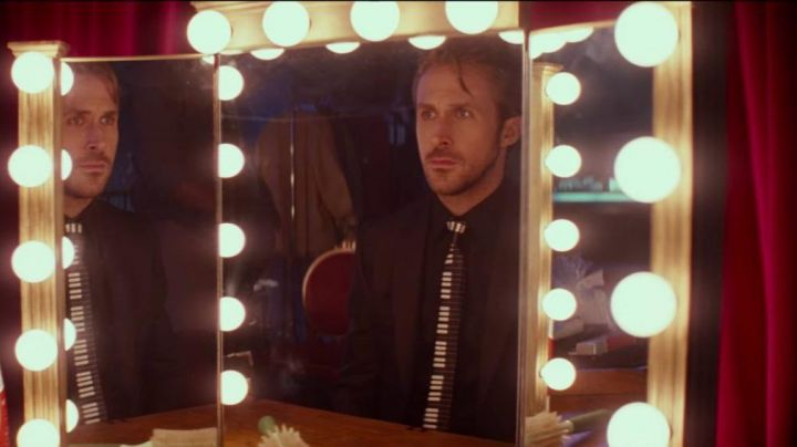 Tie piano keys Sebastian (Ryan Gosling) in the The Land - Movie Outfits and Products