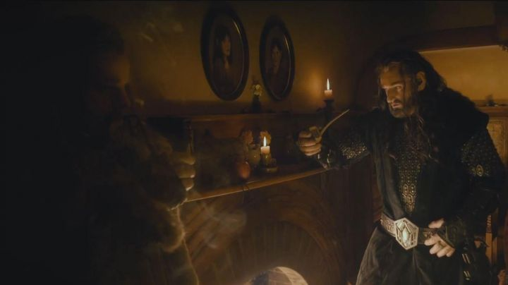 Tobacco pipe of Fíli (Dean O'Gorman) in The Hobbit: A unexpected journey Movie