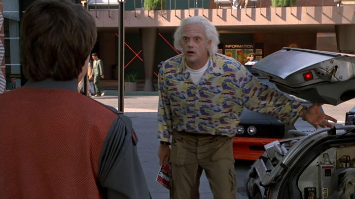 Train Shirt worn by Dr Emmett Brown (Christopher LLoyd) as seen in Back to the future II - Movie Outfits and Products