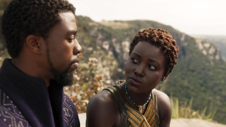 Tribal necklace worn by Nakia (Lupita Nyong'o) as seen in Black Panther - Movie Outfits and Products
