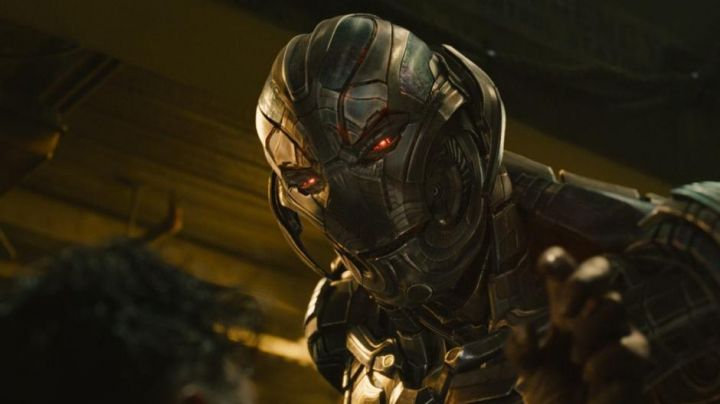 Ultron's (James Spader) armour in Avengers: Age of Ultron Movie