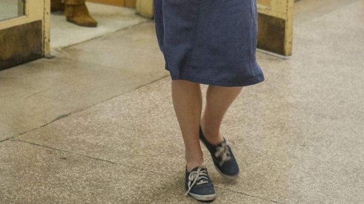 Vans authentic blue of Chloe Grace moretz in Carrie: the revenge - Movie Outfits and Products