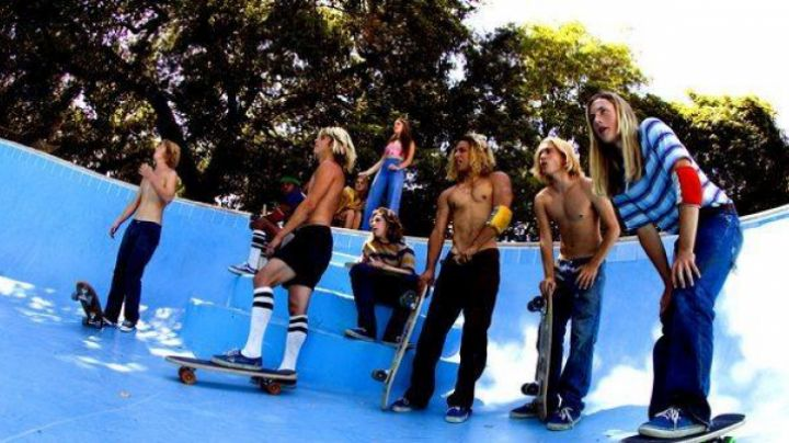 Vans blue Stacie in The lords of Dogtown - Movie Outfits and Products