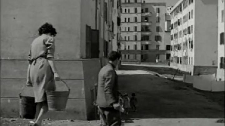 Via Monte Pattino, in Rome, The bicycle thieves - Movie Outfits and Products