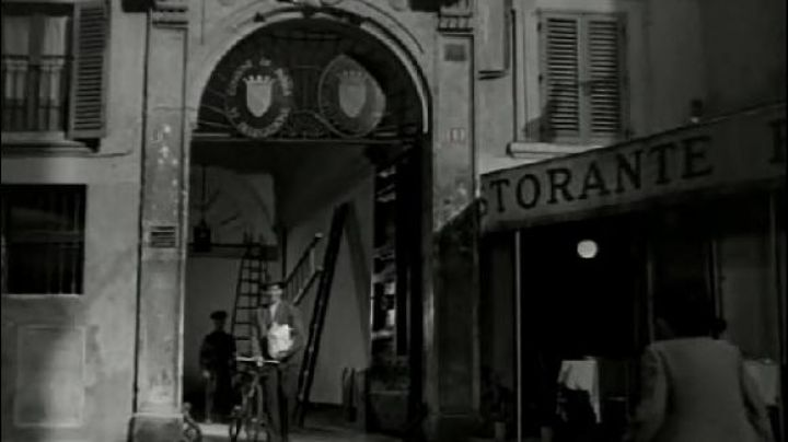 Via dei Montecatini 11, in Rome, The bicycle thieves - Movie Outfits and Products