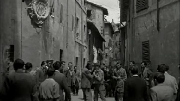 Vicolo della Campanella 37, in Rome, The bicycle thieves - Movie Outfits and Products