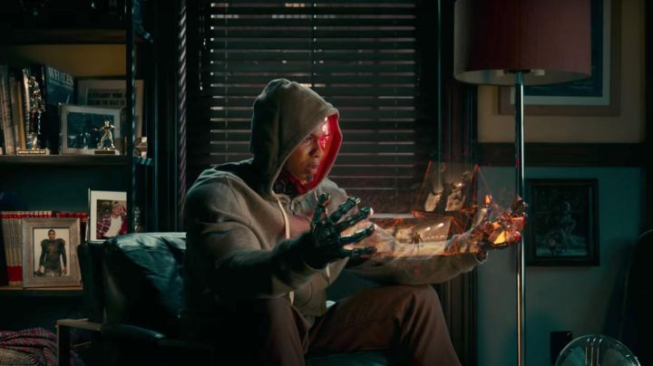 Victor Stone / Cyborg (Ray Fisher) Grey Hoodie as seen in Justice League