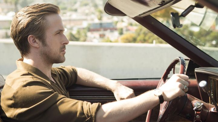 Vintage watch Omega de Sebastian (Ryan Gosling) in the The Land - Movie Outfits and Products