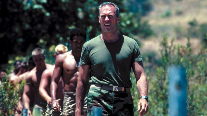 Watch Tom Highway (Clint Eastwood) in The Master of War movie