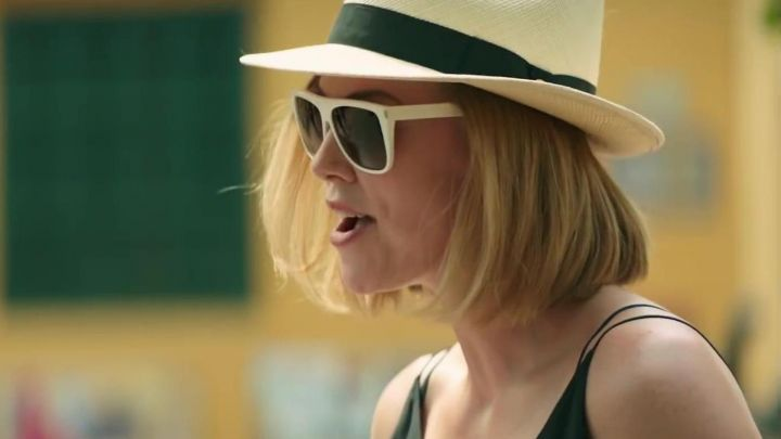 White Sunglasses worn by Charlotte Field (Charlize Theron) in Long Shot - Movie Outfits and Products