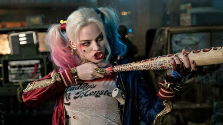 baseball bat Harley Quinn in Suicide Squad - Movie Outfits and Products