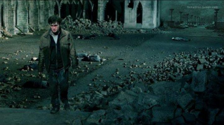 black shoes of Harry Potter in Harry Potter And The Deathly hallows pt.2 - Movie Outfits and Products