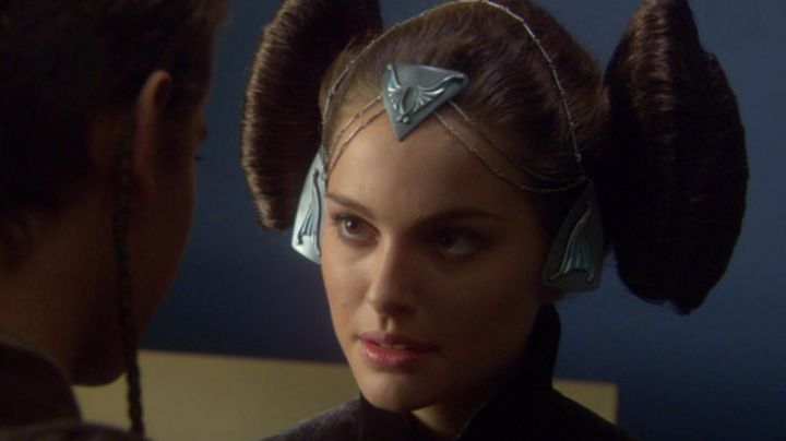 Fashion Trends 2021: end of headband to the painting of Padme Amidala (Natalie Portman) in Star Wars II