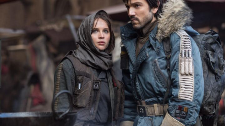 Fashion Trends 2021: holding Jyn Erso (Felicity Jones) in Rogue One : A star wars story