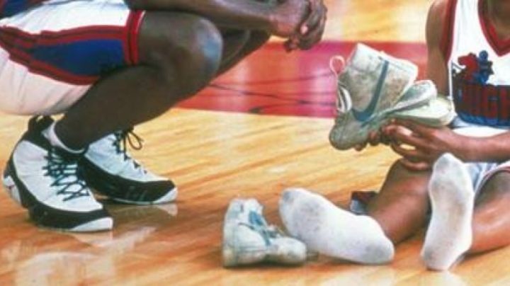 jordan 9 space jam worn by morris chestnut in magic basketball - Movie Outfits and Products