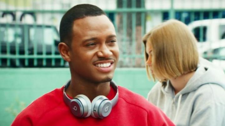 listening to audio of Charlie (Terrence J) in The perfect match - Movie Outfits and Products