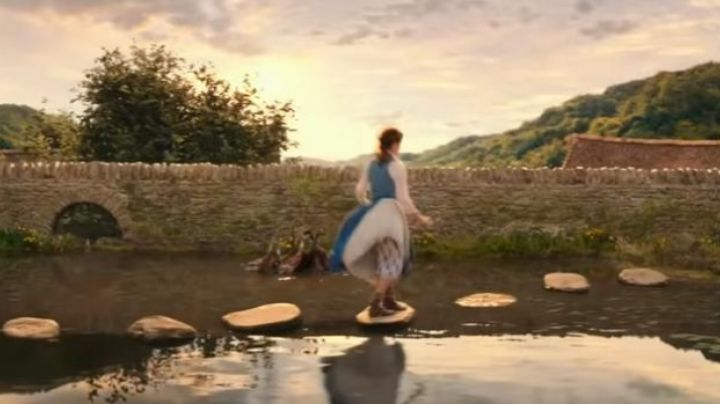 Fashion Trends 2021: shoes ankle boots Emma Watson in beauty and the Beast