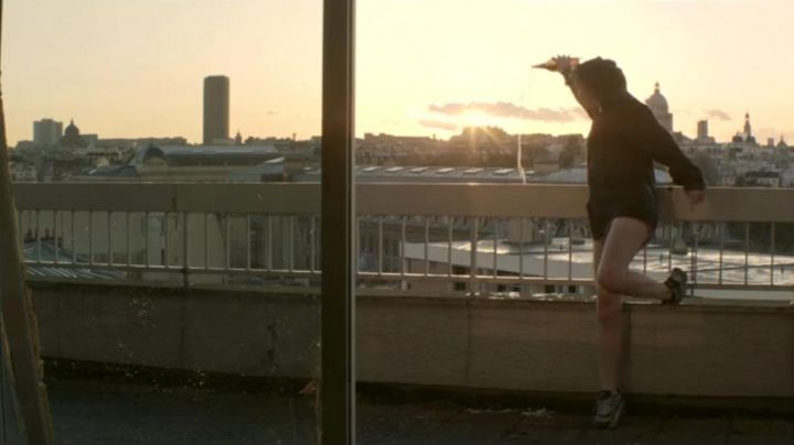 sneakers Marie (Camille Chamoux) in The gazelles - Movie Outfits and Products