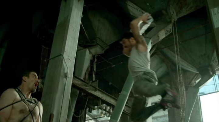 Fashion Trends 2021: sneakers, high tops Nike for Lino (David Belle) in Brick Mansions