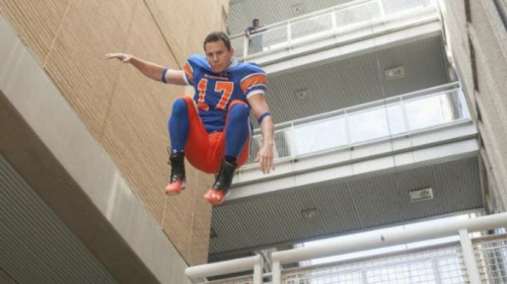 sneakers red black and Channing Tatum in 22 Jump Street - Movie Outfits and Products