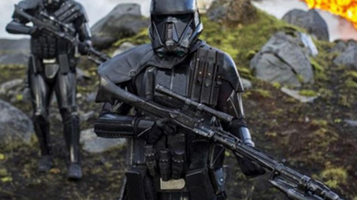 the 3 grenades, Death-Trooper in Rogue One : A Star Wars Story - Movie Outfits and Products