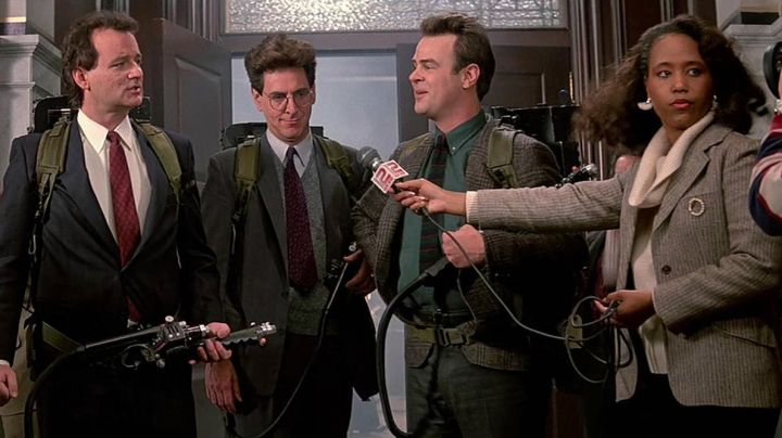 Fashion Trends 2021: the Proton Pack from Ghostbusters in SOS Ghosts 2