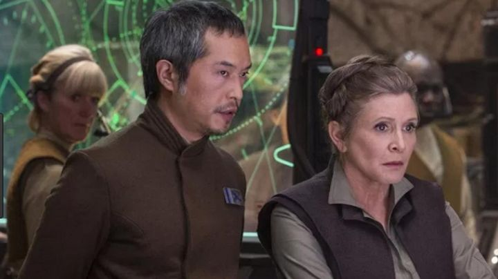"""Fashion Trends 2021: the badge of the Admiral'll be deciding (Ken Leung) in """" Star Wars VII : The awakening of the force"""